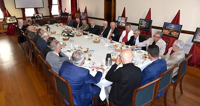 Başkan Sarıkurt eski meclis üyeleri ile buluştu