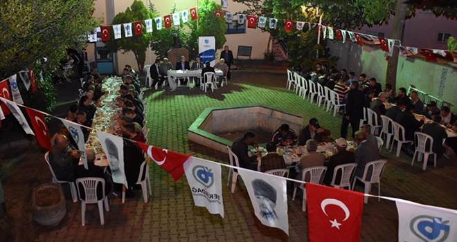 Başkan Kadir Albayrak Vatandaşlarla Sahur Yapmaya Devam Ediyor