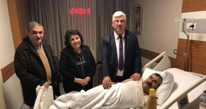 Başkan Yüksel hastalara moral ziyaretinde bulundu