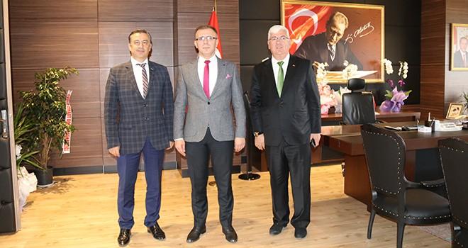 Başkan Yüksel Kaymakam Sarılı'yı ziyaret etti