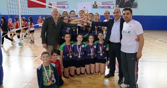 ÇBSK Midi Kızlar Voleybol Takımı Türkiye Finallerinde