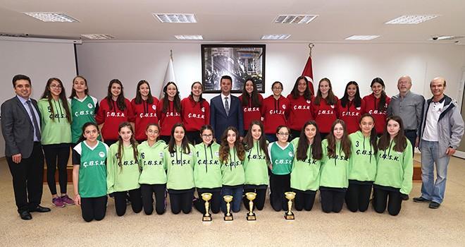 Başkan Sarıkurt Şampiyonları Ağırladı