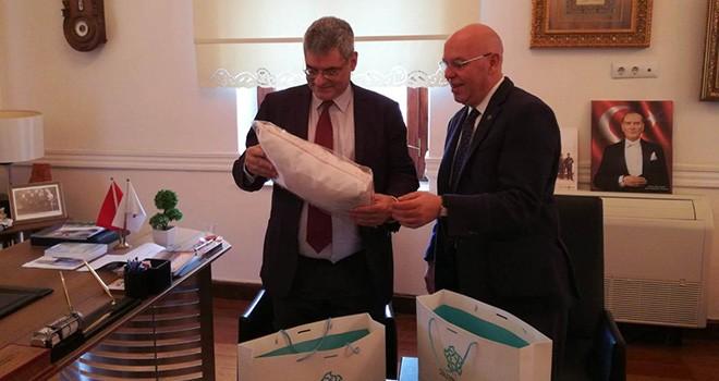 AB Parlamento Milletvekili Miltiadis Kyrkos Başkan Eşkinat'ı Ziyaret Etti