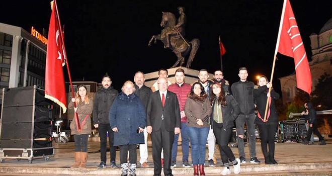 Başkan Albayrak Atatürk'e Saygı Nöbetine Katıldı