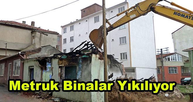 Çorlu'daki metruk yapılar yıkılıyor