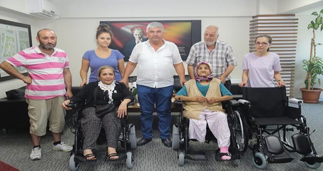 3 Kişiye Tekerlekli Sandalye Hediyesi