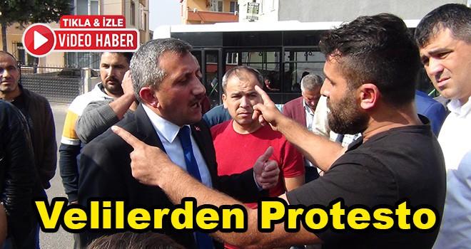 Velilerden Protesto