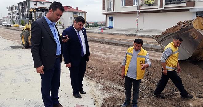 Başkan Sarıkurt Yol Çalışmalarını Yerinde İnceledi