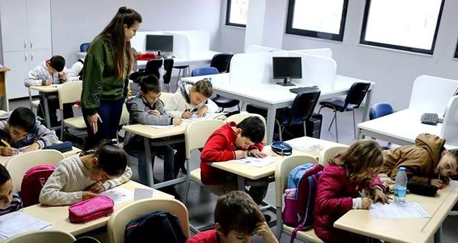 Gençlik Merkezi'nde Gençler Geleceğe Hazırlanıyor
