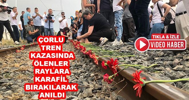 Çorlu Tren Kazasında Ölenler Raylara Karanfil Bırakılarak Anıldı